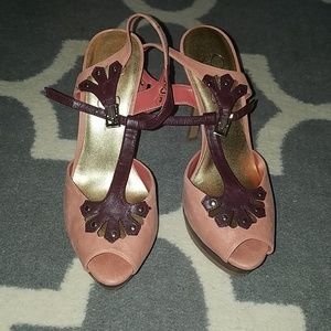 Jessica Simpson heels size 8.